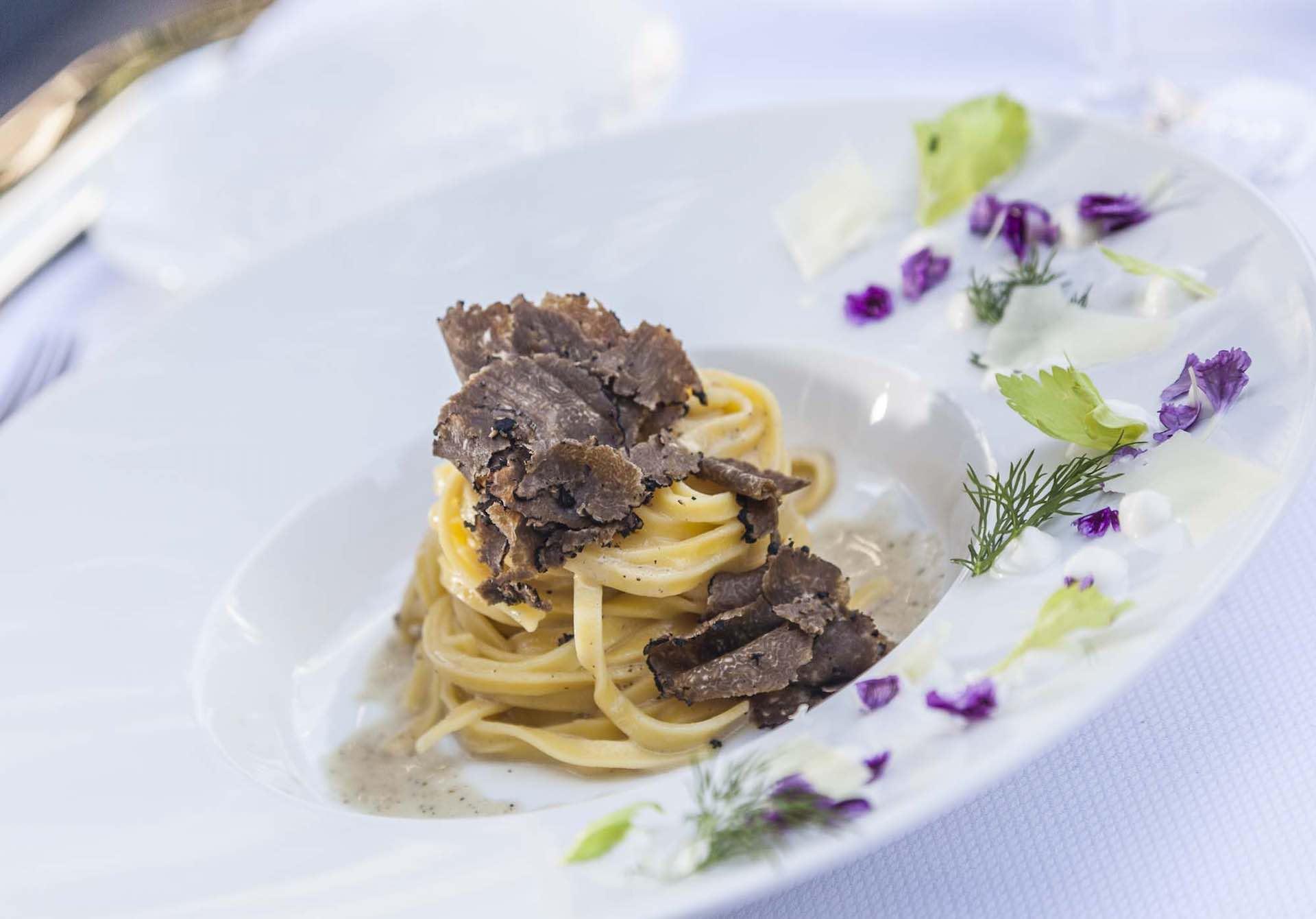 tartufi-and-friends-truffle-lounge